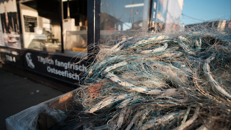 Fischernetz am Fischereihafen Travemuende